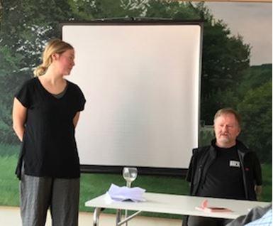 Amanda Ljungdahl och Mats Lindsjö på Rotary berättar om tidningen Faktum