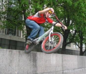 Cyklade snabbt - adverb